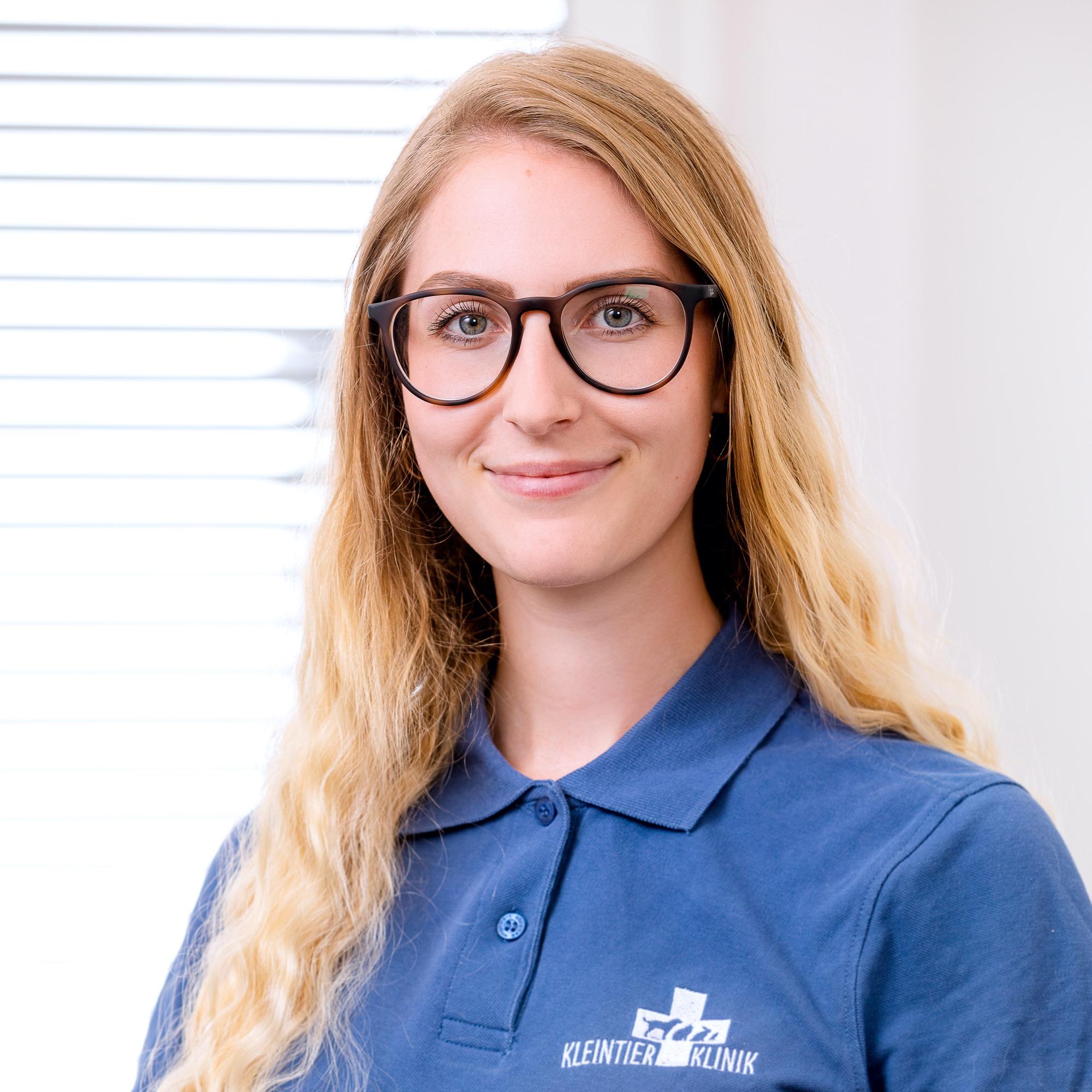 Mitarbeiter Saskia Schell tierklinik 5685 b